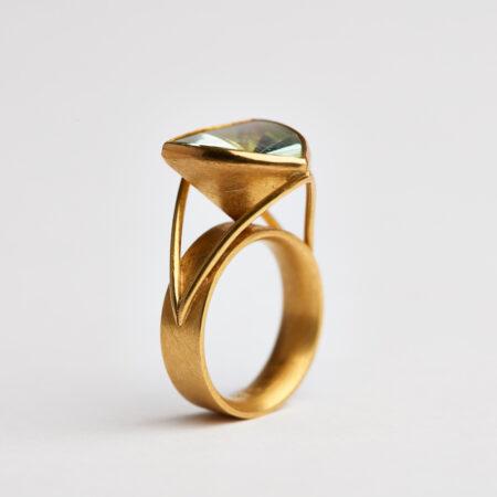 Ring aus 900 Gold mit Beryll
