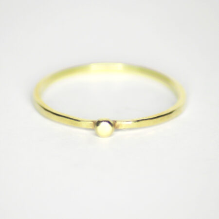 Ring aus 585 Recycling Gold mit Goldkugel